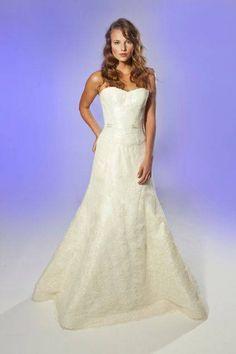 Bridal Collection Junko Yoshioka Fall 2013 #wedding #dress