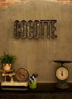 Cocotte sign by rusted metal