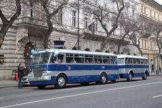 IHO - Közút - Centenáriumi buszünnep a Városligetben Bus Coach, Locomotive, Old Cars, Budapest, Cars And Motorcycles, Techno, Boats, History, Vehicles