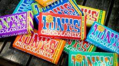 Tony's Chocolonely voegt weer twee heerlijke smaken toe aan haar vaste assortiment: wit, wortel, walnoot en metlkchocolade met honeycomb en kardemom.