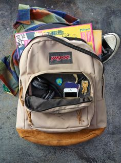 Music keeps you going. Wherever you're going. And no matter how unique your tastes may be, the JanSport Right Pack matches any style–as only a true classic can.