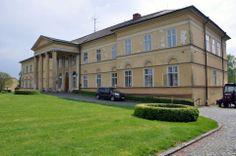 Kastiel v Dolnej Krupej .. a pamatny dom L. von Beethovena,... Slovenské hrady, zámky, pamätihodnosti a prírodné krásy