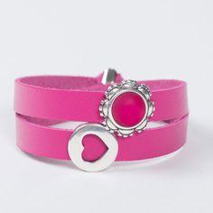 Pinkes Wickelarmband mit Herzperle und Polariscabochon.