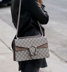 Find tips and tricks, amazing ideas for Gucci purses. Discover and try out new things about Gucci purses site Gucci Handbags Outlet, Gucci Purses, Gucci Dyonisus Bag, Luxury Bags, Luxury Handbags, Ysl, Louis Vuitton Bags, Womens Designer Bags, Designer Handbags