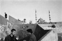 Nikos Economopoulos. TURKEY. Istanbul, Eminonu district. 2000