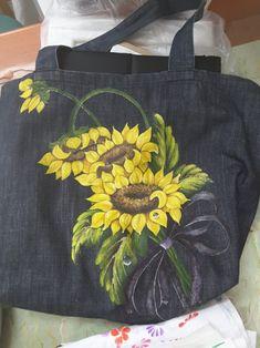 천아트 분당풀잎문화센터 코스모스 매화 무릇 해바라기 : 네이버 블로그 Hand Painted Sarees, Hand Painted Fabric, Painted Bags, Painted Clothes, Fabric Painting, Fabric Art, Fabric Crafts, Fabric Paint Designs, Diy Tote Bag