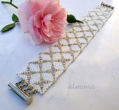 almona: karkötők / bracelets