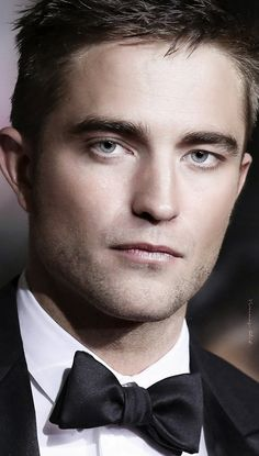 THE_ROVER_PREMIERE_CANNES_MAY_18TH_2014... Mr. Pattinson looking amazing,  aa always ;)