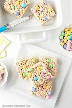 Fruity Springtime Crispy Rice Cereal Treats Fruity Springtime Crispy Rice Cereal Treats: Crispy rice cereal bars are given a seasonal update to become Fruity Springtime Crispy Rice Cereal Treats, complete with fruit-flavored marshmall Rice Crispy Treats, Krispie Treats, Rice Krispies, Fun Desserts, Dessert Recipes, Cereal Recipes, Paleo Cereal, Quinoa Cereal, Granola Cereal