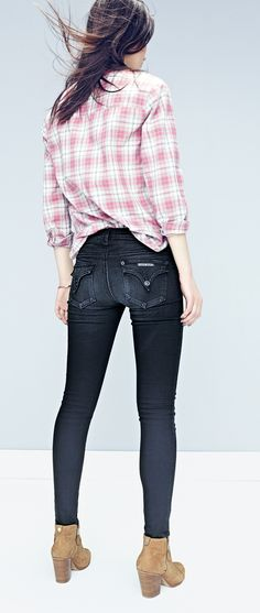 Black wash skinny jeans are the perfect way to spice up the denim collection in the current wardrobe.
