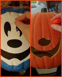 Disney Halloween Decorations, Mickey Mouse Halloween, Halloween Birthday, Holidays Halloween, Disney Holidays, Mickey Mouse Wreath, Mickey Christmas, Halloween Mesh Wreaths, Halloween Pumpkins
