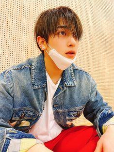 behind dance practice. Namjin, Asian Boys, Kpop Boy, Boyfriend Material, Rapper, Handsome, Korean, Polaroids, Emoji
