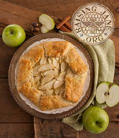 Apple & Brie Galette Prep Time: 20 Minutes Cook Time: 32-35 Minutes Makes: 6 Servings