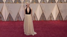 Michelle Williams hits the 89th Academy Awards red carpet in monochrome with Best friend Busy Philipps. Busy has been supporting Michelle at most of the red carpets this 2017 season.