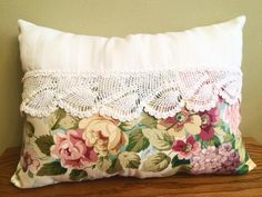 Shabby Chic Crochet & Floral Vintage Pillow by LinensLaceLavender Shabby Chic Cushions, Shabby Chic Quilts, Shabby Chic Crafts, Shabby Chic Pink, Vintage Pillows, Vintage Shabby Chic, Vintage Fabrics, Costume Jewelry Crafts, Diy Jewelry