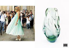 Plisado y girado así se manifiesta este cristal que nos sugiere luz y libertad al igual que este vestido que Baila con el viento. Cristal disponible en nuestra tienda de Barcelona . www.retrospectroo.co.uk