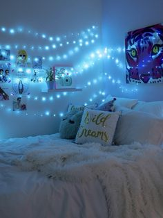 1 pleasant Teen Girl Bedrooms for mind boggling bedroooom display info 8518301390 simplebedroomideasforteengirlsdreamrooms 1 pleasant Teen Girl Bedroo. Blue Room Themes, Blue Room Decor, Room Decor With Lights, Room Lights, Cute Bedroom Ideas, Room Ideas Bedroom, Awesome Bedrooms, Blue Bedroom Ideas For Girls, Bedroom Designs