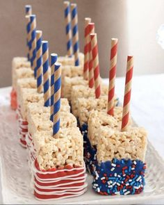 to throw an America party Red, White and Blue Rice Krispie treats for the of July and Memorial Day bbq's!Red, White and Blue Rice Krispie treats for the of July and Memorial Day bbq's! 4th Of July Desserts, Fourth Of July Food, 4th Of July Celebration, 4th Of July Party, Holiday Desserts, Holiday Treats, Holiday Parties, Holiday Recipes, Patriotic Desserts
