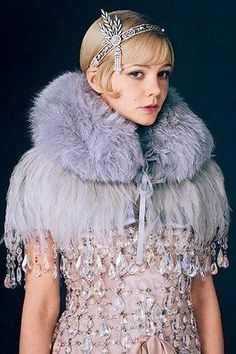 1920s Shawls, Scarves and Evening Jacket Tips: Fur and Feather Shawl via the 2013 Great Gatsby movie #1920sfashion #shawl