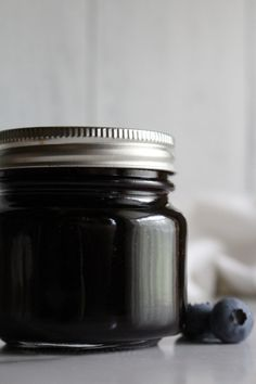 Blueberry Jelly Blueberry Jelly, Canned Blueberries, Jelly Bag, Jam And Jelly, Jelly Recipes, Jar Lids, Canning Recipes, Preserves, Pickles