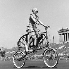 Vintage Weird Inventions – People with Their Funny Bicycles in the Past ~ vintage everyday Old Bicycle, Old Bikes, Vintage Cycles, Vintage Bikes, Funny Vintage, Weird Inventions, Creative Inventions, Tweed Ride, Pocket Bike