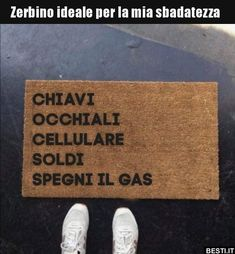Italian Humor, Funny Scenes, Cute House, Just Smile, Funny Cute, Funny Photos, Funny Jokes, Haha, Have Fun