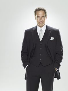 Mike Rowe NEEDS to be pinned twice. Wit, intelligence, adventure, humor, and by god.he used to be a Opera singer. Most Beautiful Man, Gorgeous Men, Beautiful People, Pretty Men, Mike Rowe, Opera Singers, Sharp Dressed Man, Famous Men, Dream Guy