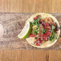 Taco. #tacos #food #aperitif #aperitivo #igers #igerseu #igersbarcelona @tabmilgritos