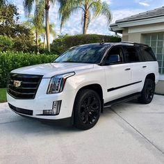 Customized Two tone Cadillac Escalade 2019 Gloss black higher physique Luxury Sports Cars, New Luxury Cars, Luxury Suv, Sport Cars, Luxury Vehicle, Luxury Girl, Cadillac Escalade, Cadillac Cts Coupe, 1959 Cadillac