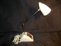 Hamilton Co, Atomic Desk Lamp Mid Century Modern Cream Retro Vintage light