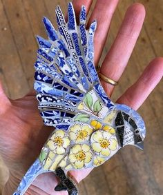 Mosaic Tile Art, Mosaic Artwork, Mosaic Glass, Mosaic Garden Art, Mosaic Mirrors, Mosaic Animals, Mosaic Birds, Mosaic Art Projects, Mosaic Crafts