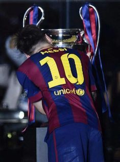 marco reus is bae and leo messi is the king. Messi 2015, Cr7 Vs Messi, Messi Fans, Messi Soccer, Neymar Jr, Fc Barcelona Neymar, Barcelona Football, Barcelona Futbol Club, Xavi Iniesta