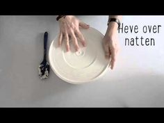 Her er oppskriften på ekstra enkle eltefrie rundstykker! Bruk 5 min om kvelden til å røre sammen en deig og du har nystekte rundstykker på en halvtime neste morgen! Baking, Food, Bakken, Meals, Backen, Yemek, Postres, Eten, Pastries