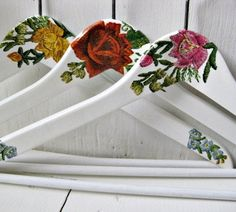 Decoupage hangers - Might be another option instead of pyrography for the hangers you wanted? Modge Podge Projects, Craft Projects, Hobbies And Crafts, Diy And Crafts, Arts And Crafts, Wooden Coat Hangers, Glue Gun Crafts, Craft Stalls, Sewing To Sell