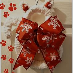 Christmas cat wreath; christmas dog wreath; pet lover gifts; christmas gift ideas for dog lovers; christmas gift ideas for cat lovers; gift ideas for pet groomers; gift ideas for veterinarian; gift ideas for pet owners; cat mom gift ideas; cat lover gifts; cat aesthetic; christmas gift ideas for dog groomer; christmas gift ideas for pet groomers; pet christmas gifts; christmas cat decorations; christmas dog decor ideas; paw prints aesthetic; pet aesthetic; santa paws dogs; dog aesthetic…