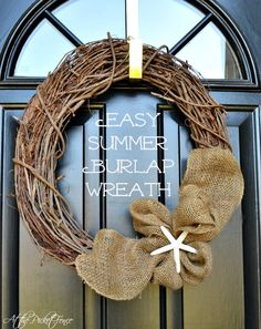 How to create and easy burlap wreath from atthepicketfence.com
