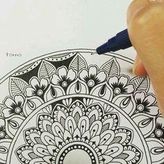 Mandala Zentangle Drawings, Doodle Drawings, Doodle Art, Zentangles, Mandala Doodle, Mandala Drawing, Mandala Art Lesson, Doodle Patterns, Zentangle Patterns