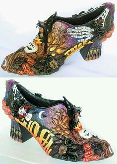 Seeing Things: Bat Wing Witch Shoes. Oh those are some EPIC witch shoes! I want a pair! Halloween Shoes, Holidays Halloween, Vintage Halloween, Halloween Crafts, Halloween Stuff, Happy Halloween, Spooky Halloween, Halloween Makeup, Halloween Decorations