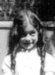 10 year old Reina Beem murdered in Auschwitz on October 15,1942 with her mother, older brother Simon (12), and three younger brothers David (6), Max (4), Leo (3).