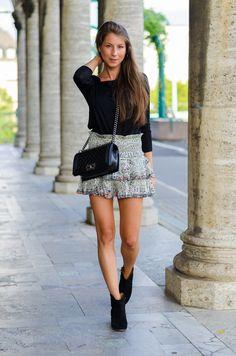 Isabel Marant ankle boots black suede & skirt