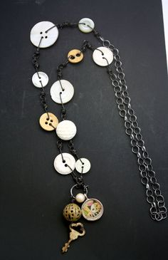 Buttons, chains and trinkets