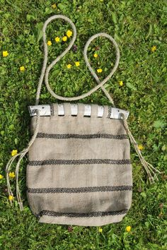 Moe !! I have been too quiet lately, but i have done something during that time. This i did last summer for Wisbys medieval weeks. It is a bag, yes, and i have shown the handles already. This resem...