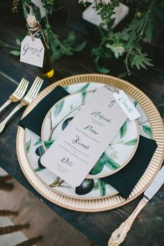 Place signage | Wedding & Party Ideas | 100 Layer Cake