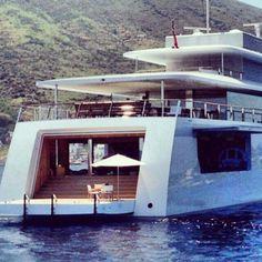 Venus Jobs Mega Yacht - Apple Yacht in Italy