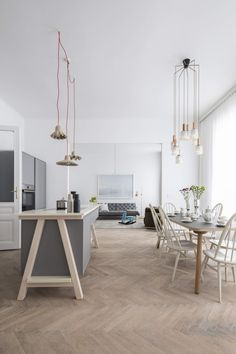 The project is more than just a conventional redevelopment of a Viennese apartment; it is a statement about sustainable interior design. Design Studio, House Design, Wall Design, Living Room Decor, Living Spaces, Drawing Room Design, Room Interior Design, Minimalist Living, Interiores Design