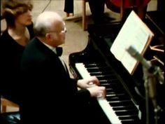 BACH  &  SVIATOSLAV RICHTER  Piano Concerto in D minor BWV 1052  (Allegro)