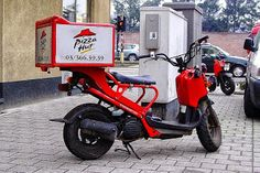 Would Fast Food Restaurants light up their delivery boxes on the motorbikes to create advertising awareness   Imagine the pizza delivery box light up at night to maximise the advertising opportunities.  McDonald's Australia  McDonald's Singapore  Pizza Hut Singapore  Enjoy Freshly Made Pizzas and Pastas.  Fast-Food Food-And-Drinks Ideas Melbourne Motorcycles Pizza Singapore Transportation