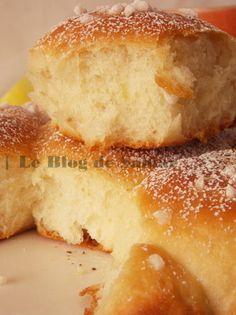 Voici une brioche sans oeufs et sans beurre de Michalak pour le goûter ou le petit déjeuner que j'...
