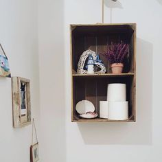 Rustic wooden crate with internal shelf - perfect for freestanding or wall storage in any room of the house. Wooden Apple Crates, Rustic Shelves, Shop Window Displays, Wall Storage, Rustic Chic, Storage Solutions, Floating Shelves, Room, Shelf