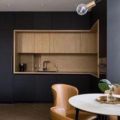 Back to Black! Loved the combination!! #luxurylifestyle #kitchen #marble #kitchendesign #woodworking #woodwork #black #wood #cabin #bahrain #architecture #decor #decoration #design #designer #interior #interiors #homedecor #homedesign #interiordesign #allofarchitecture #luxurylife #lebanon #lebanesedesigners #dubai #qatar #uae #abudhabi #kuwait #ontherow